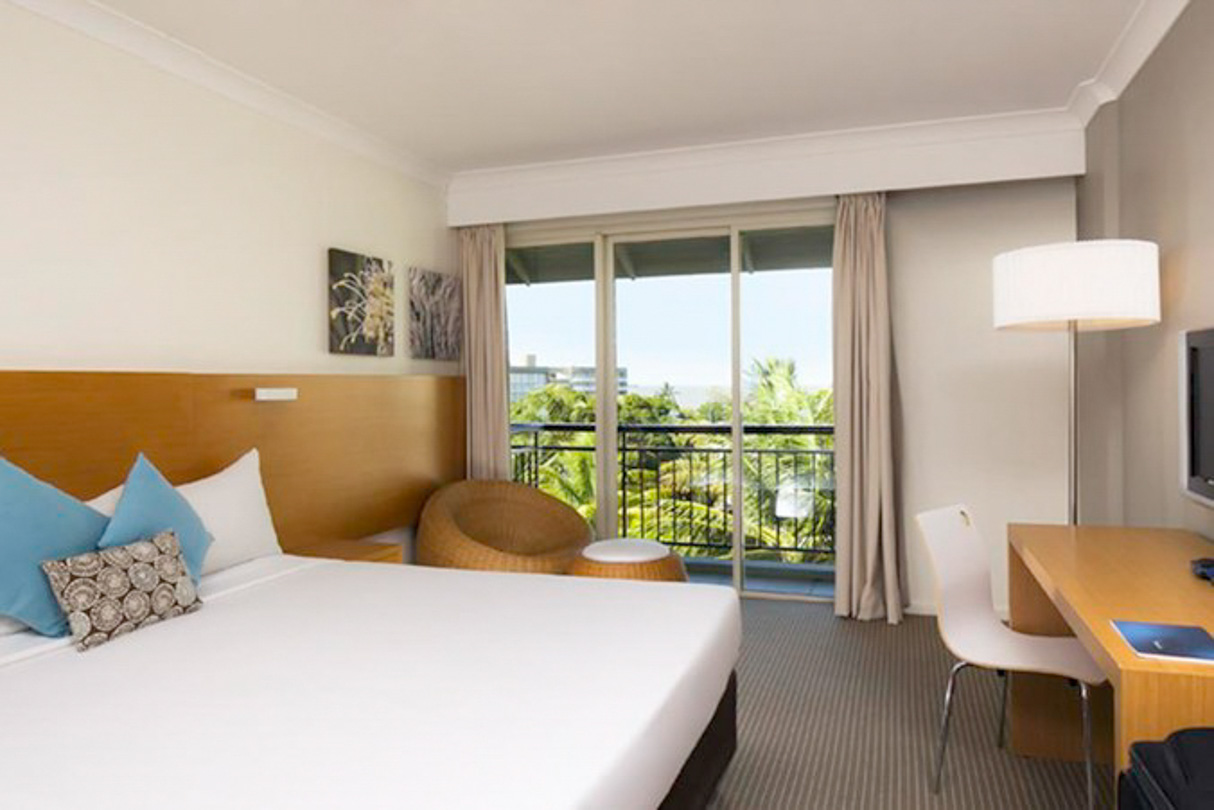 Novotel Cairns Oasis Hotel Resort